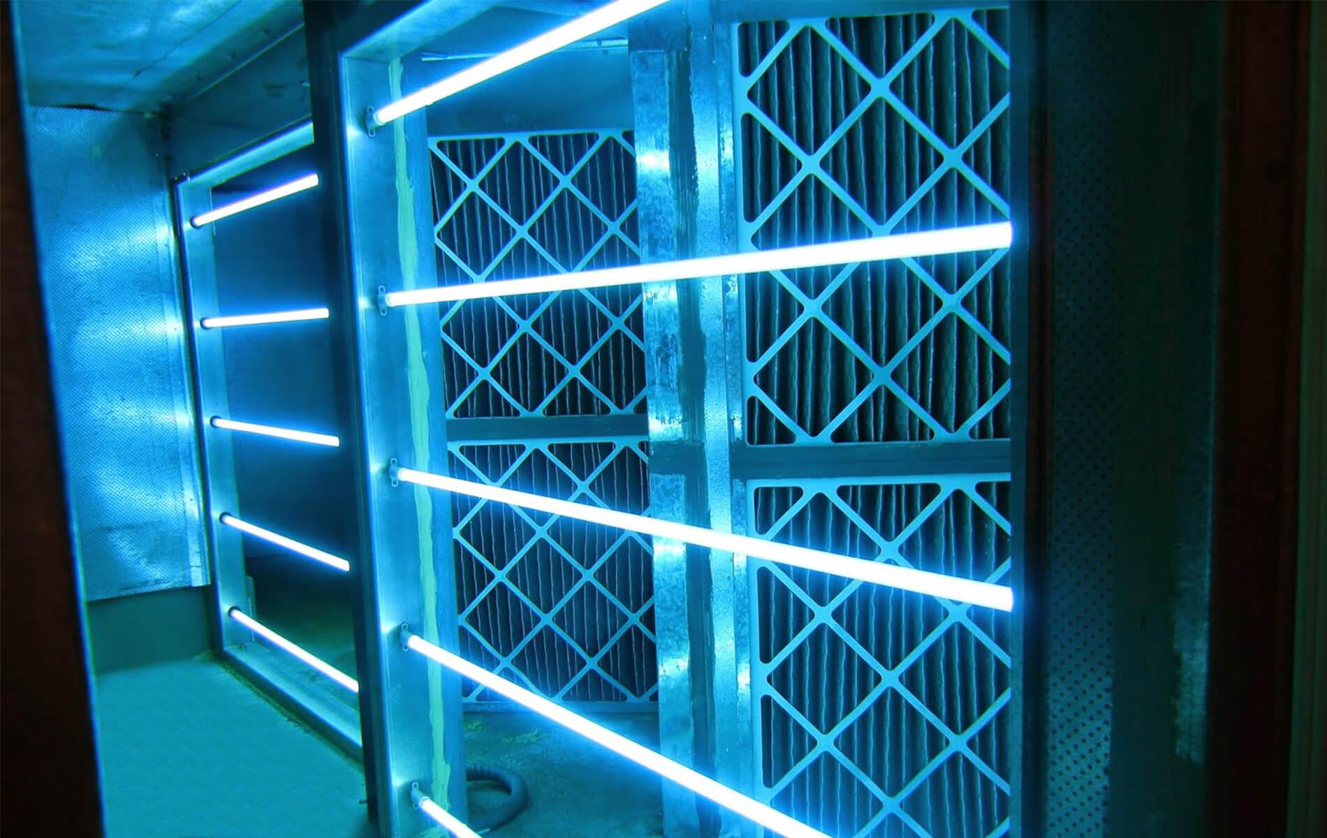 ¿Qué equipo de luz UVC te conviene para la sanitización de tu empresa?